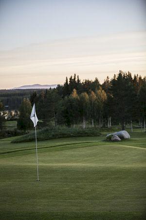 Klubben anordnar långsamma golfronder