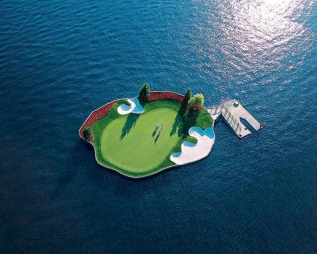 Världens tio galnaste golfhål